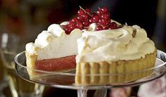 Redcurrant meringue pie