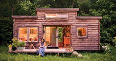 https://media.mnn.com/assets/images/2016/08/tinyhouse-NataliePollard.jpg.990x0_q80_crop-smart.jpg