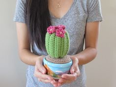 Cactus My sister is moving away for school! Since every new home deserves a plant, I decided to crochet her a cactus. She actually had a real cactus before, but it died! So my sister gave me the pot. Diy Crochet Cactus, Crochet Pot Leaf, Crochet Cactus Free Pattern, Crochet Home, Crochet Flowers, Crochet Patterns, Pink Flowers, Crochet Gratis, Crochet Amigurumi