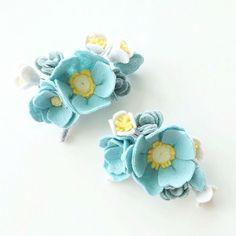 Love these colors Felt Crafts Diy, Felt Diy, Handmade Crafts, Sewing Crafts, Felt Flowers, Fabric Flowers, Paper Flowers, Felt Headband, Felt Brooch
