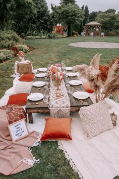 Picnic Set, Beach Picnic, Night Picnic, Country Picnic, Picnic Theme, Picnic Tables, Picnic Ideas, Picnic Birthday, Backyard Birthday Parties
