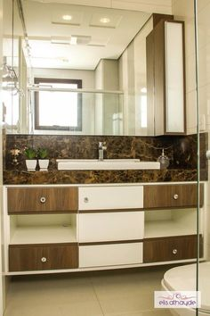 Banheiro cheio de requinte e sofisticação. Projeto Basi Arquitetura