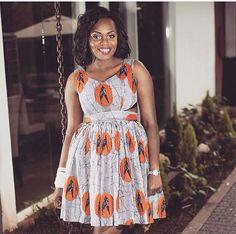 Jolie robe en Waxprint ~African fashion, Ankara, kitenge, African women dresses, African prints, Braids, Nigerian wedding, Ghanaian fashion, African wedding ~DKK