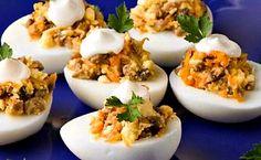 Яйца фаршированные салат греческий