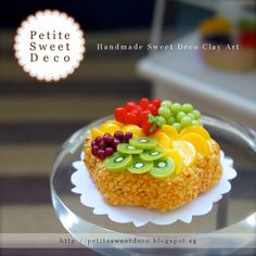 Peanut miniatura con imán Fruta clasificada Sponge Cake - flor en forma - Faux Alimentos - Miniatura Dollhouse - Petite dulce de Deco