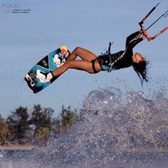 Down Loop Transition – Kite Surf Co Tutorial Kite Surf, Go Fly A Kite, Sup Surf, Kitesurfing, Surfing Uk, Skate, Water Sports Activities, Social Activities, Wakeboard Boats