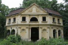 I would so love to renovate this one. It is beautiful even in this state