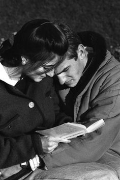Harold Feinstein reads poetry in Paris , Cute Relationship Goals, Cute Relationships, Love Couple, Couples In Love, Romantic Couples, Thomas Bernhard, Claude Lelouch, Couple Aesthetic, Old Love
