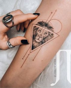 Hawaiianisches Tattoo, Leo Tattoos, Irezumi Tattoos, Mini Tattoos, Piercing Tattoo, Tattoo Fonts, Cute Tattoos, Beautiful Tattoos, Body Art Tattoos
