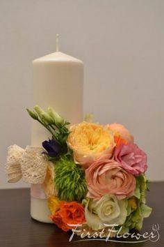 Ranunculus, David Austin, Pillar Candles, Green, Creative Flower Arrangements, Creativity, Hydrangeas, Persian Buttercup, Candles