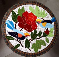 Mosaic birds Mosaic Crafts, Mosaic Projects, Stained Glass Projects, Stained Glass Patterns, Mosaic Patterns, Stained Glass Art, Mosaic Birds, Mosaic Flowers, Mosaic Tray
