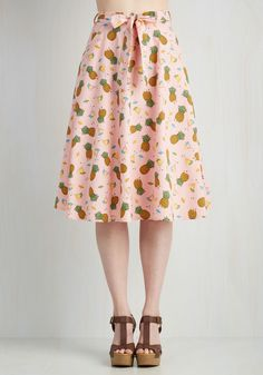 Vacation Libations Skirt. Flaunt the tastes of the tropics with this martini and fruit festooned midi! #pink #modcloth