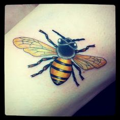 I want a bee like this on each knee so I can officially be the bees knees :) hehe