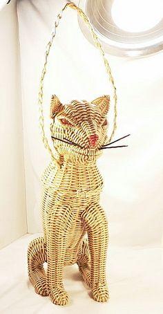 Vintage Figural  Animal  Cat Wicker Purse
