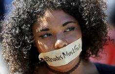 A student wears a sticker calling for the removal of a statue of Cecil John Rhodes from the campus of the University of Cape Town Pictures Of The Week, Cool Pictures, John Rhodes, La Colonisation, University Of Cape Town, Oxford College, Third World Countries, Tony Blair, Human Body