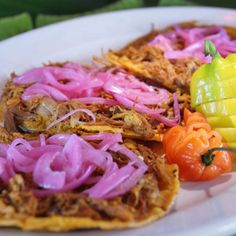 Meaty, spicy, the flavors distinct, the 'cochinita pibil' at Coox Hanal hits all the marks. Slow Cooker Recipes, Cooking Recipes, Healthy Recipes, Mexican Dishes, Mexican Food Recipes, Good Food, Yummy Food, Best Instant Pot Recipe, Latin Food