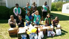 We love seeing our Girl Scout troops making a difference in their communities! Check out Troop #1436 earning their Homelessness Awareness badge! They made 15 hygiene kits and 40 food kits to donate for the homeless and families in crisis! Amazing job, Girl Scouts!