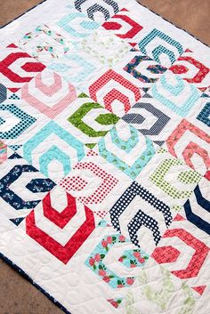 Here is a list of our top 15 quilts of 2015. #15 Pinned 470 times – Rainbow Quilt Found …