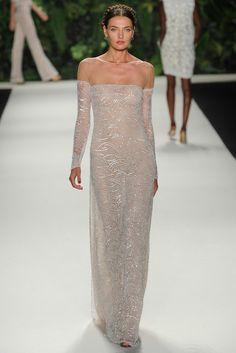 Woow. Super sensual este vestio de paillette de Naeem Khan (Colección SS 2014) #MBFWNY #vestidosdenovia #weddingdresses