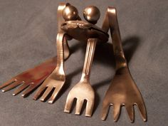 Repurposed Stainless Steel Silverware Frog by 2ndChanceMetalArt totally cool!