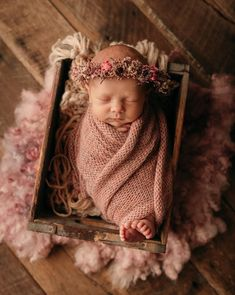 Newborn Baby Photos, Baby Poses, Baby Girl Photos, Newborn Pictures, Baby Girl Newborn, Baby Pictures, Newborn Photography Poses, Newborn Photographer, Photographing Babies