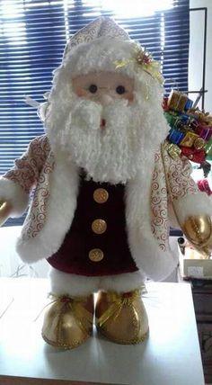 Muñecos de navidad #PapaNoelyaviene Christmas Gifts For Women, Christmas Items, Holiday Ornaments, Christmas Projects, Christmas Crafts, Christmas Decorations, Holiday Decor, Xmas, Chicken Quilt