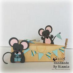 Hallo allemaal!     Piep piep! Twee feestende muisjes bij/op een lekker blokje kaas, waar natuurlijk iets lekkers in kan. Mijn dochter ...