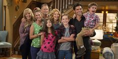 'Fuller House' Star Candace Cameron Bure Under Fire For 'Racy' Reboot Of 'Full House' Full House, House Star, House 2, Ramona Fuller House, Fuller House Cast, Candace Cameron Bure, Best Tv Shows, Favorite Tv Shows, Howard And Bernadette