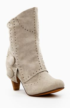 For the steampunk in me: Victorian Fold-over Boots