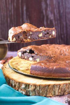 Krémový čokoládový koláč s lieskovými orechmi a mascarpone v ceste Dessert Cake Recipes, Fun Desserts, Delicious Desserts, Yummy Food, Pastry Recipes, Baking Recipes, Bakers Gonna Bake, Hazelnut Cake, Love Food