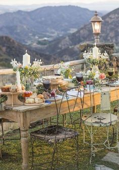That view! It would be hard to eat looking out on such amazing scenery. French Shabby Chic Al Fresco Dining Outdoor Rooms, Outdoor Dining, Outdoor Gardens, Outdoor Table Settings, Dinner Themes, Al Fresco Dining, French Country Style, Deco Table, Decoration Table