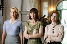 Margot Robbie, Karine Varnasse, Kelli Garner in Pan Am