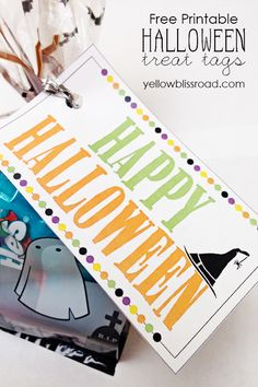 Halloween Treat Tags - A Free Printable! What a cute idea for handing out treats to friends or neighbors, or even to trick or treaters!
