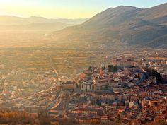 Abruzzo: cuore selvaggio - Ma che bel castello! - Traveller Cards