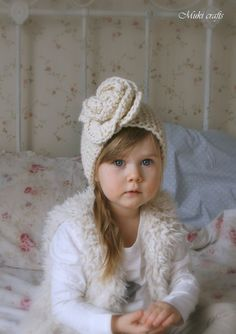 KNITTING PATTERN simple headband Nelly with crochet flower