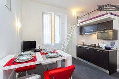 https://www.airbnb.fr/rooms/1631778 Appartement - Logement entier · Rue Gioffredo, Nice, Provence-Alpes-Côte d'Azur 06000, France