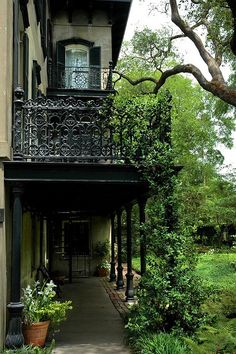 "bluepueblo: "" Balcony, New Orleans, Louisiana photo via kat "" - Home Decor Design Louisiana Homes, New Orleans Louisiana, Louisiana Bayou, Porches, New Orleans Homes, Belle Villa, Travel Photos, Places To Go, Beautiful Places"