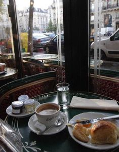 Cafe de Flore, St Germain des Pres, Paris, where Mum and I had afternoon coffee and gave our feet a well-deserved rest! I Love Coffee, Coffee Break, My Coffee, Brunch, Bar Kunst, Momento Cafe, Deco Cafe, Pause Café, Cafe Bistro