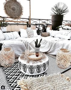 Where do I describe my boundless love for Claudia& Bohemian decoration - Where do I describe my boundless love for Claudia& Bohemian decoration room# # Living - Bohemian Decoration, Bohemian Chic Decor, Bohemian Patio, Modern Bohemian, Living Room Cabinets, Porch Decorating, Decorating Ideas, Decor Ideas, Decorating Websites