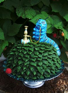 Absolem VI. Great cake for a Wonderland party.