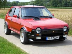 """canimuff: """"piccolaauto: """" Fiat Abarth Ritmo """" wow that sits surprisingly wide for a stock car """" Fiat 126, Fiat Abarth, Retro Cars, Vintage Cars, Automobile, Fiat Cars, Old School Cars, Small Cars, Rally Car"""