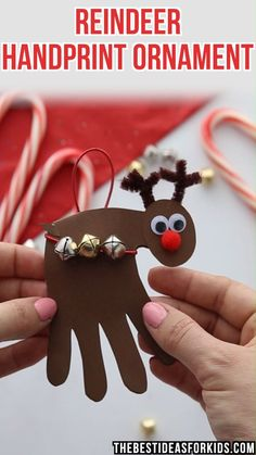 Reindeer Handprint – Mechthild K. Reindeer Handprint CHRISTMAS CRAFTS FOR KIDS: Reindeer Handprint ornament – this is the perfect Christmas gift or card for kids to make for Christmas! Preschool or Kindergarten classes will love making these! Christmas Handprint Crafts, Reindeer Handprint, Reindeer Footprint, Santa Crafts, Snowman Crafts, Kids Crafts, Diy And Crafts, Kids Diy, Baby Crafts