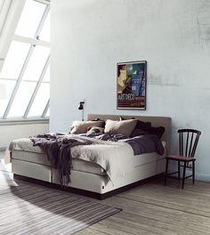 Jensen Nova Basic continental bed in Nature textiles.