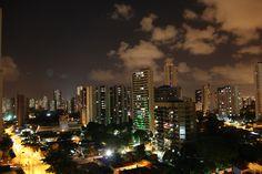 Recife a noite.
