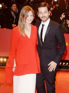 Diego Luna Photos Photos - Diego Luna and Julia Jentsch arrive for the closing ceremony of the 67th Berlinale International Film Festival Berlin at Berlinale Palace on February 18, 2017 in Berlin, Germany. - Closing Ceremony Red Carpet Arrivals - 67th Berlinale International Film Festival