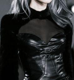 Sasha Luss at Altuzarra F/W 2013 Uk Fashion, High Fashion, Fashion Design, Queen Fashion, Metal Fashion, Gothic Fashion, Leather Fashion, Mode Sombre, Looks Style