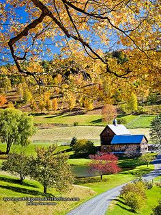 Sleepy Hollow Farm, Woodstock, Vermont, USA so beautiful and peaceful would love to visit vermont!