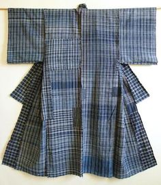 cotton zanshi-ori yogi, or a sleeping kimono that is made from cloth which is woven from left over yarns.