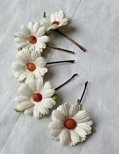 Two-Sided BIJOUX BOBBI Daisy Flowers Reversible Printed Hinged Bangle