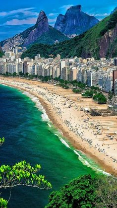 Rio de Janeiro, Brasil - Travel tips - Travel tour - travel ideas Copacabana Beach, Places Around The World, Travel Around The World, Around The Worlds, Cool Places To Visit, Places To Travel, Places To Go, Brasil Travel, Rio Brazil